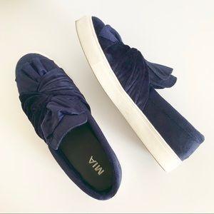 MIA Zoe Bow Navy Blue Velvet Platform Sneakers